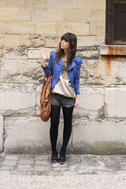 tenue perfecto cuir bleu bebe